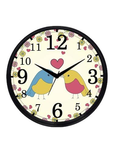 Cartoonpur Analog Round 11 Inch Love Birds Silent Movement Wall Clock with  Glass