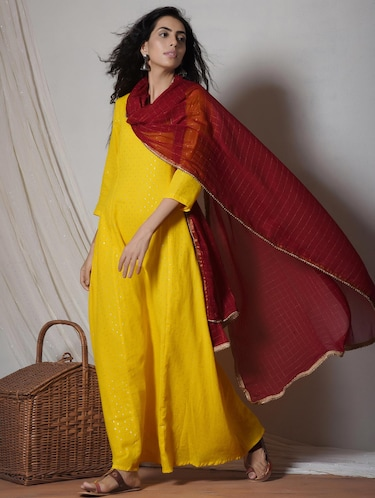 1802c942e5 Buy Truebrowns Yellow Kurta Dupatta Set for Women from Truebrowns ...