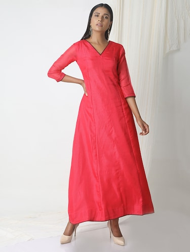 TrueBrowns Pink kota silk dress - 14465996 - Standard Image - 1