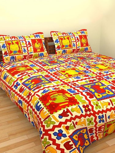 Ethnic Print Double bedsheet with two pillow covers - 14537675 - Standard Image - 1