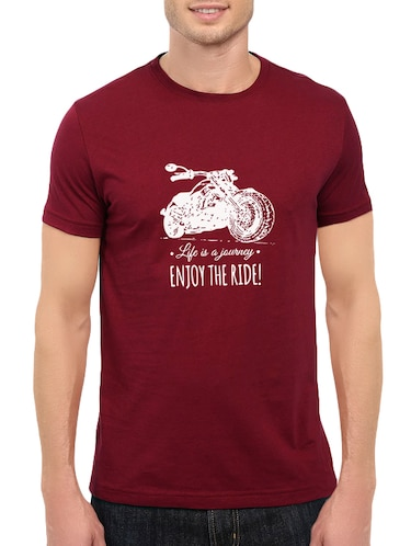 maroon cotton chest print tshirt - 14548094 - Standard Image - 1