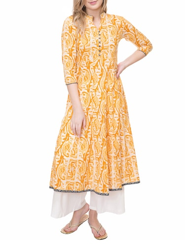 yellow cotton flared kurta - 14889578 - Standard Image - 1
