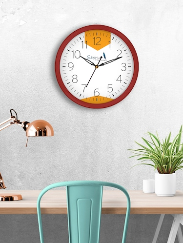 Glass Round Shape Wall Clock - 14901830 - Standard Image - 1
