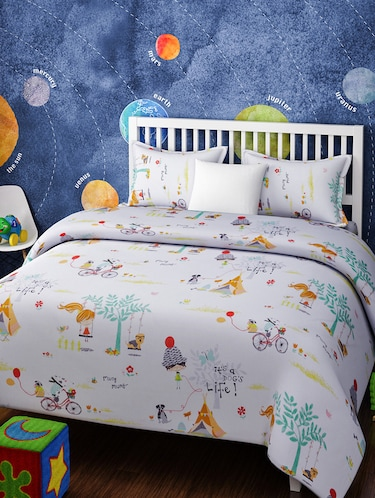 CARTOON PRINT DOUBLE BEDSHEET WITH 2 PILLOW COVERS - 14916220 - Standard Image - 1