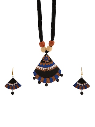 black none necklaces and earring - 15009818 - Standard Image - 1