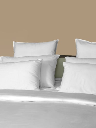 200 TC 100% Cotton Percale Solid, Ivory Color, Pair Of Large Size Pillow Covers - 15170210 - Standard Image - 1