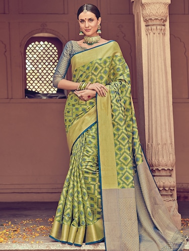 Geometrical zari woven  saree with blouse - 15176766 - Standard Image - 1