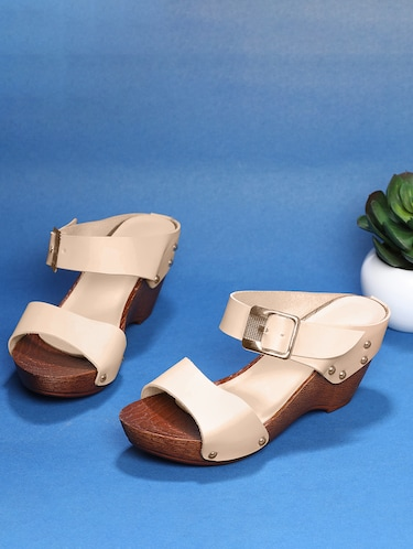 3f91d7ed12e Buy Sindhi Footwear Wedges for Women from Sindhi Footwear for ₹730 at 9%  off