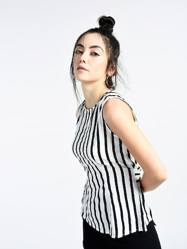 62ecb8473a6 Buy Tie-knot Back Striped Top for Women from Love Lime for ₹564 at ...