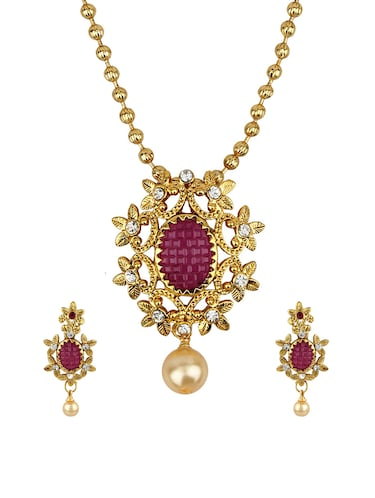 Pendant & earrings set - 15415339 - Standard Image - 1