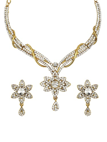 Necklaces & earrings set - 15415361 - Standard Image - 1