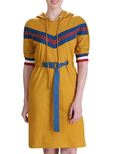 hooded belted dress - 15417258 - Standard Image - 1