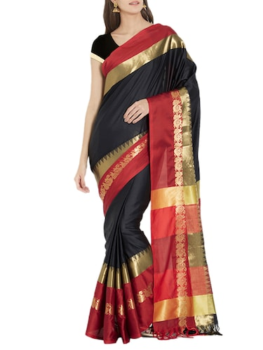 Contrast bordered handloom saree with blouse - 15419489 - Standard Image - 1