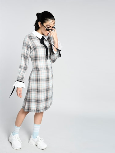 tie-up detail checkered dress - 15426415 - Standard Image - 1
