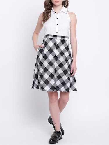ccb4739f8bff5 Buy Button Detailed Checkered Dress for Women from Shakumbhari for ₹575 at  66% off