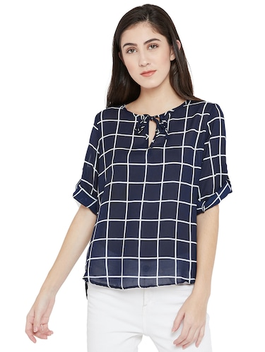 tie-up neck checkered high low top - 15505851 - Standard Image - 1