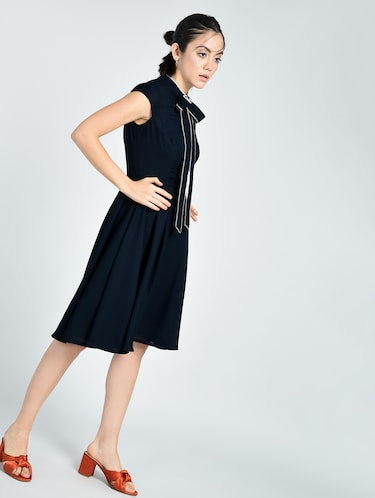 Contrast piping tie bow neck dress - 15512101 - Standard Image - 1