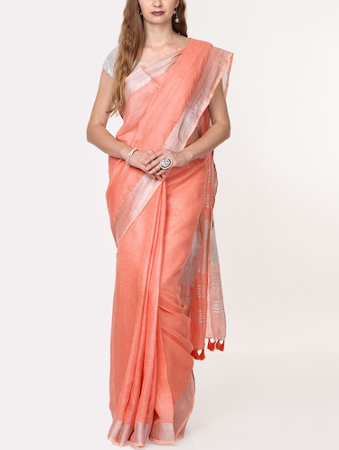 contrast border linen handloom saree with blouse - 15728560 - Standard Image - 1