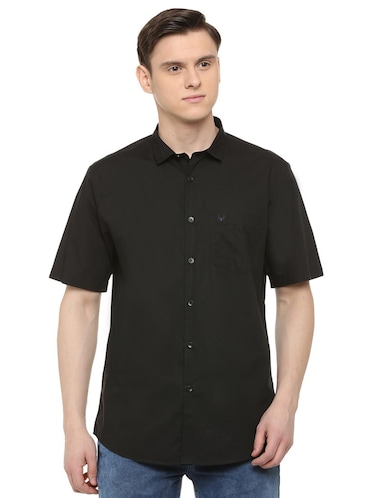 black solid casual shirt - 16107343 - Standard Image - 1