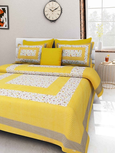 Cotton double bedsheet with 2 pillow covers - 16219921 - Standard Image - 1