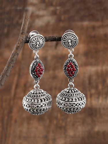 Fashion Jewellery Buy Branded Fashion Jewellery Online Fashion Jewellery For Women At Limeroad